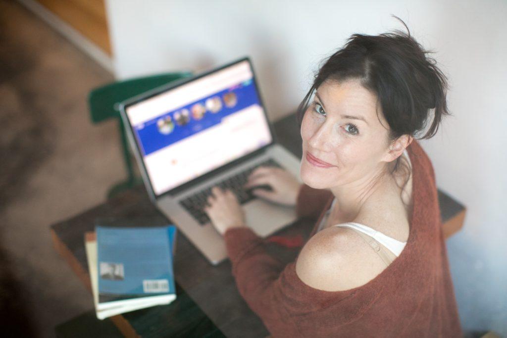 """Le truffe romantiche (""""romance scam"""") online e i principi di persuasione di Cialdini"""